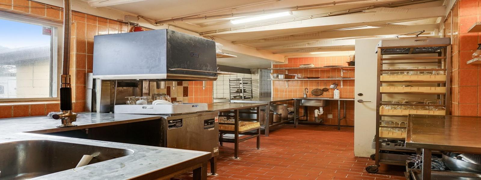 Restaurant,Solgt,1328